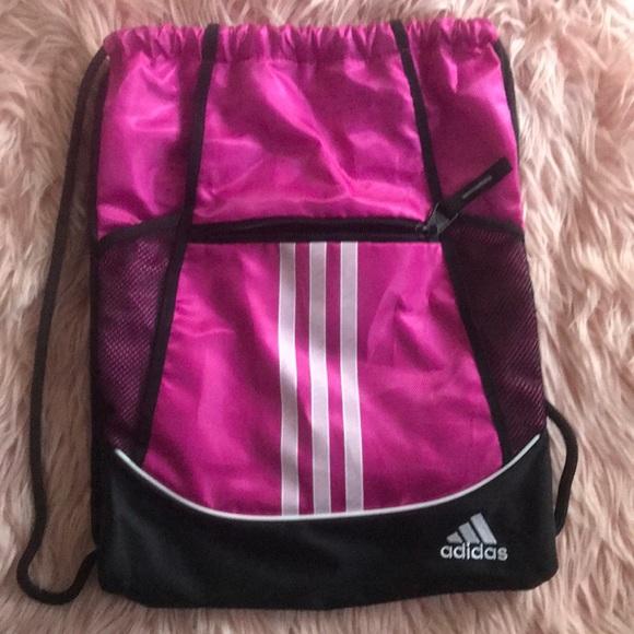 f6d586a64b12a9 Adidas Drawstring Gym Bag. M_5c38f8c8bb7615eec2dc186b